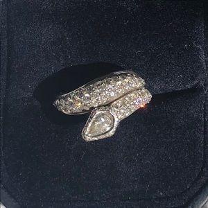 Jewelry - Diamond pave snake ring